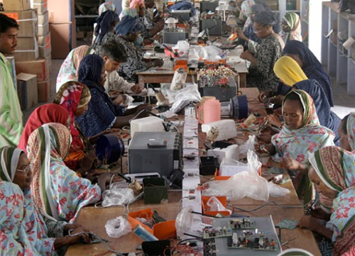 Escuela pies descalzos mujeres rurales ingenieras