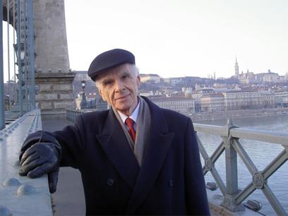 Ervin Laszlo 1