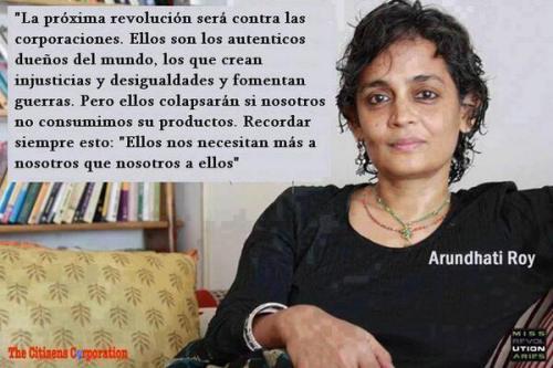 Desigualdad ricos pobres Arundhati Roy