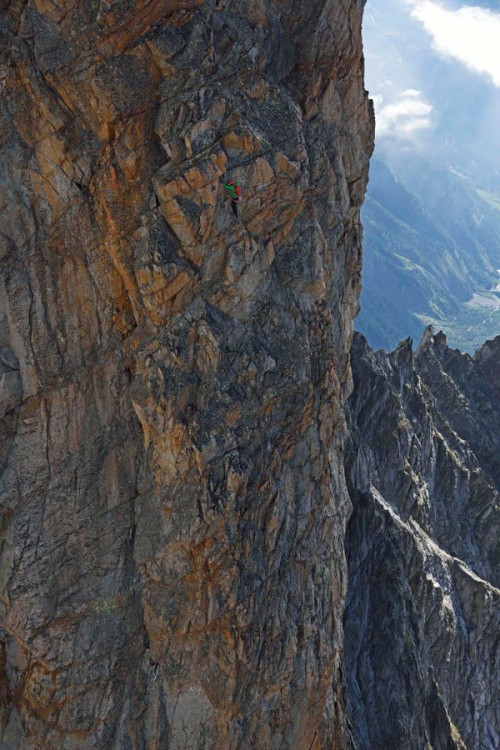 Peuterey, Mont Blanc Südseite, Italien (Climber: Ueli Steck)